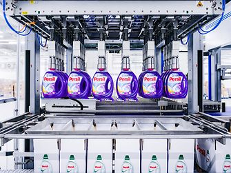 Henkel has developed a cloud-based data platform that connects more than 30 sites and more than 10 distribution centers in real time.