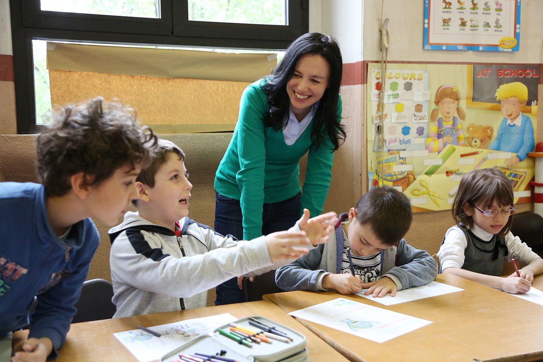 Elisabetta Marangoni parla della Sostenibilità agli alunni di una scuola di Milano.