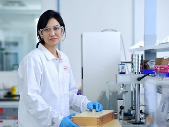 Research at the Henkel innovation center in Pune
