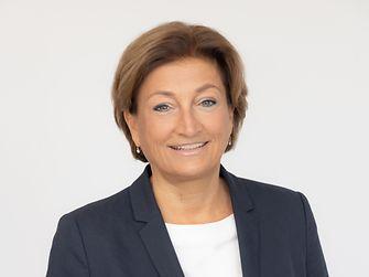 Mag. Birgit Rechberger-Krammer Präsidentin von Henkel in Österreich Mitglied der Geschäftsführung, zuständig für Laundry & Home Care